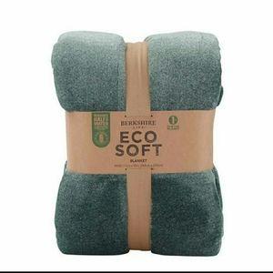 Berkshire Life Eco Soft Blanket 98x92in Queen NWT
